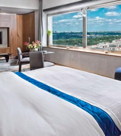 One Room Hotel - Barts Boekje