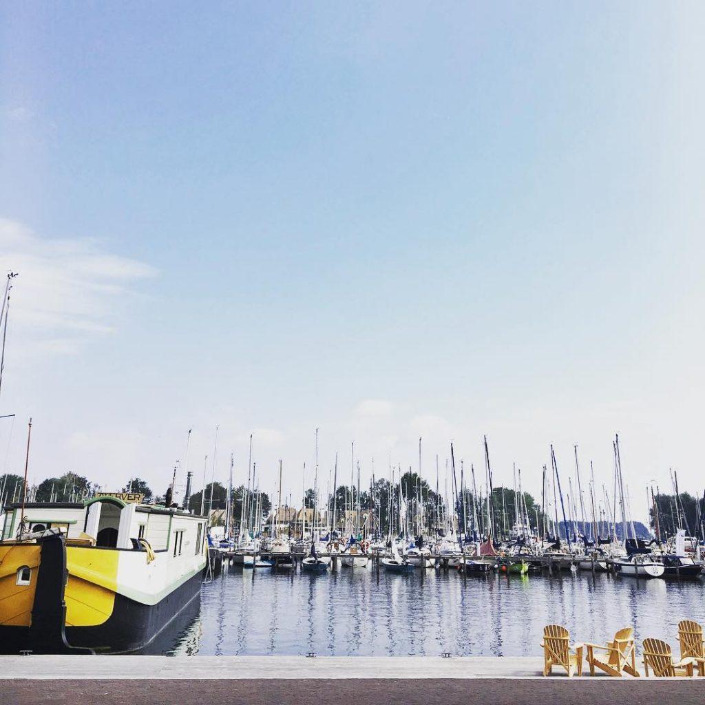 Meanwhile in Naarden  erzijndagendatjeernietkomt littleescapes outandabout boatlife