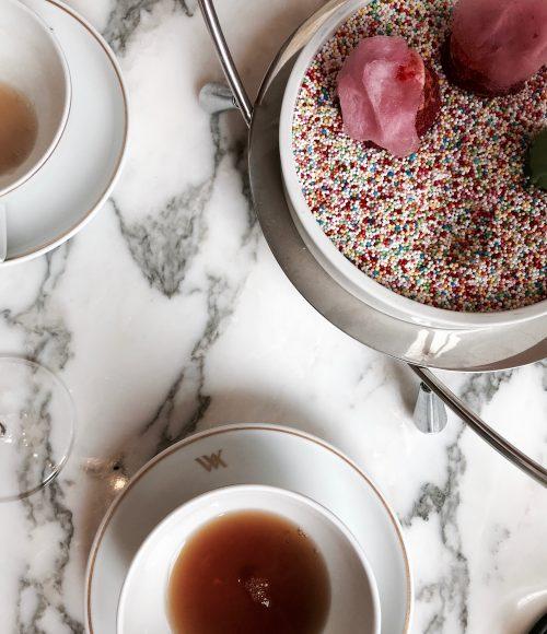De Summer Afternoon Tea in Waldorf Astoria Amsterdam is vakantievieren in eigen land (of zelfs in eigen stad)