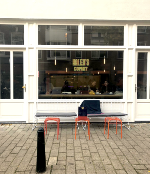 Nieuw ontbijtclubje: Haley's Comet in Den Haag (en ze serveren hier dus wél pancakes)