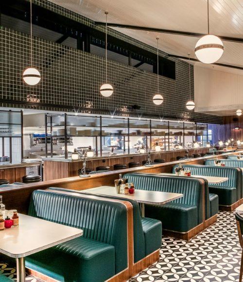 Nieuw: Mollie's Motel & Diner