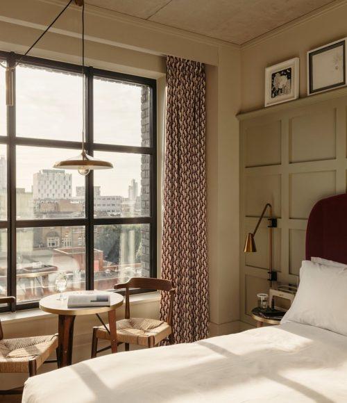 Inchecken en niet meer naar buiten (of oke, net de hoek om): Hotel The Hoxton, Southwark