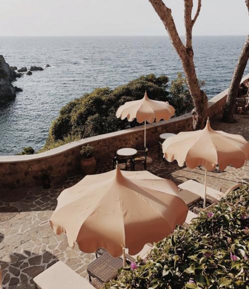 Droombestemming in Italië: het Mezzatorre Hotel op het eiland Ischia,  Italië