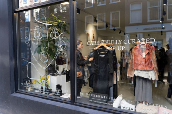 CARE // FULLY CURATED pop-up in De Pijp: happy sustainable shopping