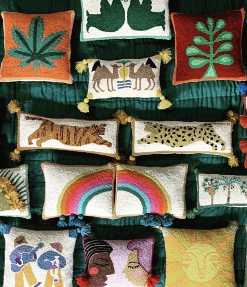 De allermooiste/ leukste/ meest kleurrijke/ vrolijkste kussens? Dat zijn die van The Jungalow & RA Interiors