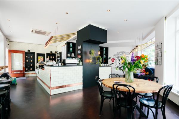 Simpele, betaalbare (en lekkere!) broodjes haal je bij The Sandwich Bar Amsterdam