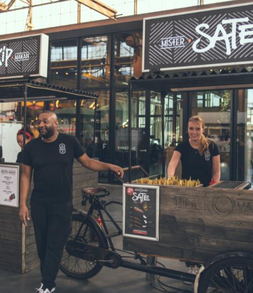 22 april: Een Bike Drive Through bij de Kopstootbar met al het lekkers van Mister Makan (Amsterdam)