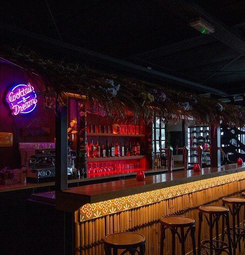 Nieuw speelkwartier in Amsterdam (van de mensen achter Hanneke's Boom): Aloha Amsterdam