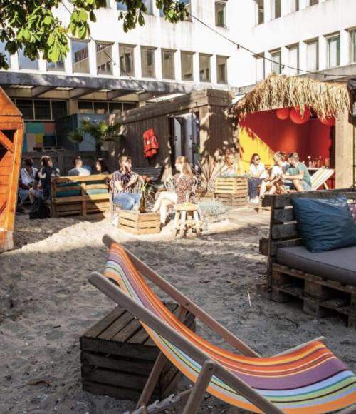 Kakelvers stadsstrand: BAJES BEACH CLUB Amsterdam