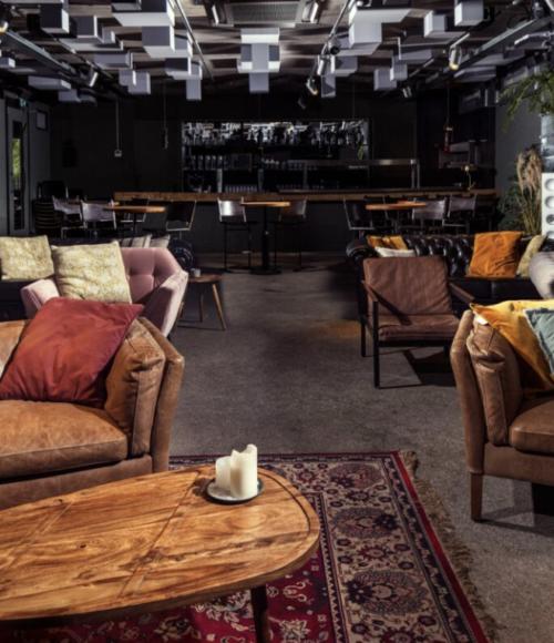 Avondje uit nieuwe stijl: boek je eigen privé bioscoop bij Restaurant C in Amsterdam