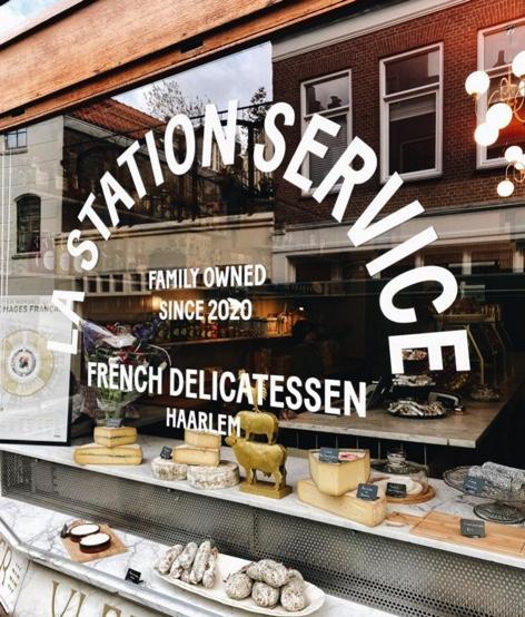 Nieuw in Haarlem: La Station Service waar je de fijnste Franse delicatessen komt tanken