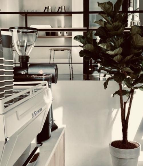 De heerlijke koffietent Coffee District opent nieuwe locatie op Willemsparkweg in Amsterdam