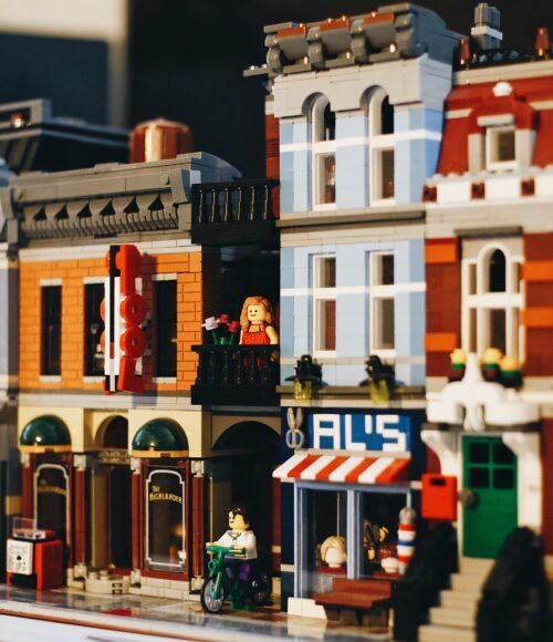 De LEGO store in Amsterdam is een hit voor jong en oud