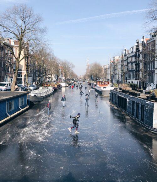 It giet oan – het schaatsdiner over de Amsterdamse grachten