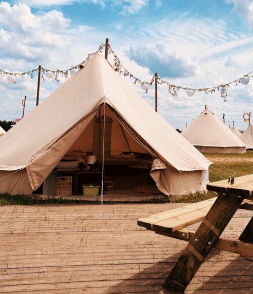 Waar je gewoon nog een plekje scoort deze zomer: Pop-Up Camping Hemels in Volkel (en ja, dat is Hemels!)